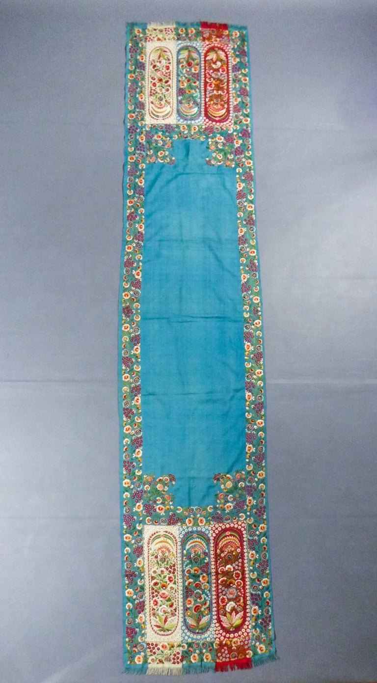 Blue Scarf in Embroidered Pashmina - India for Europe Circa 1830/1860 For Sale