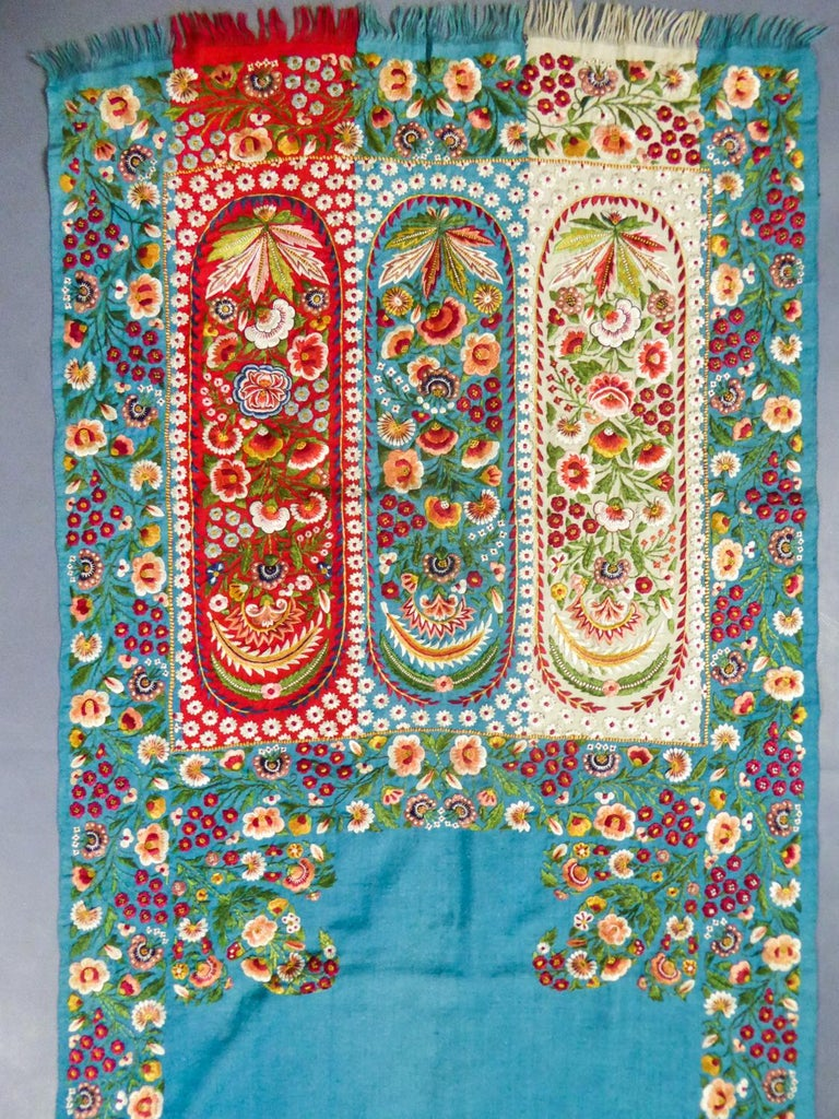 Women's or Men's Scarf in Embroidered Pashmina - India for Europe Circa 1830/1860 For Sale