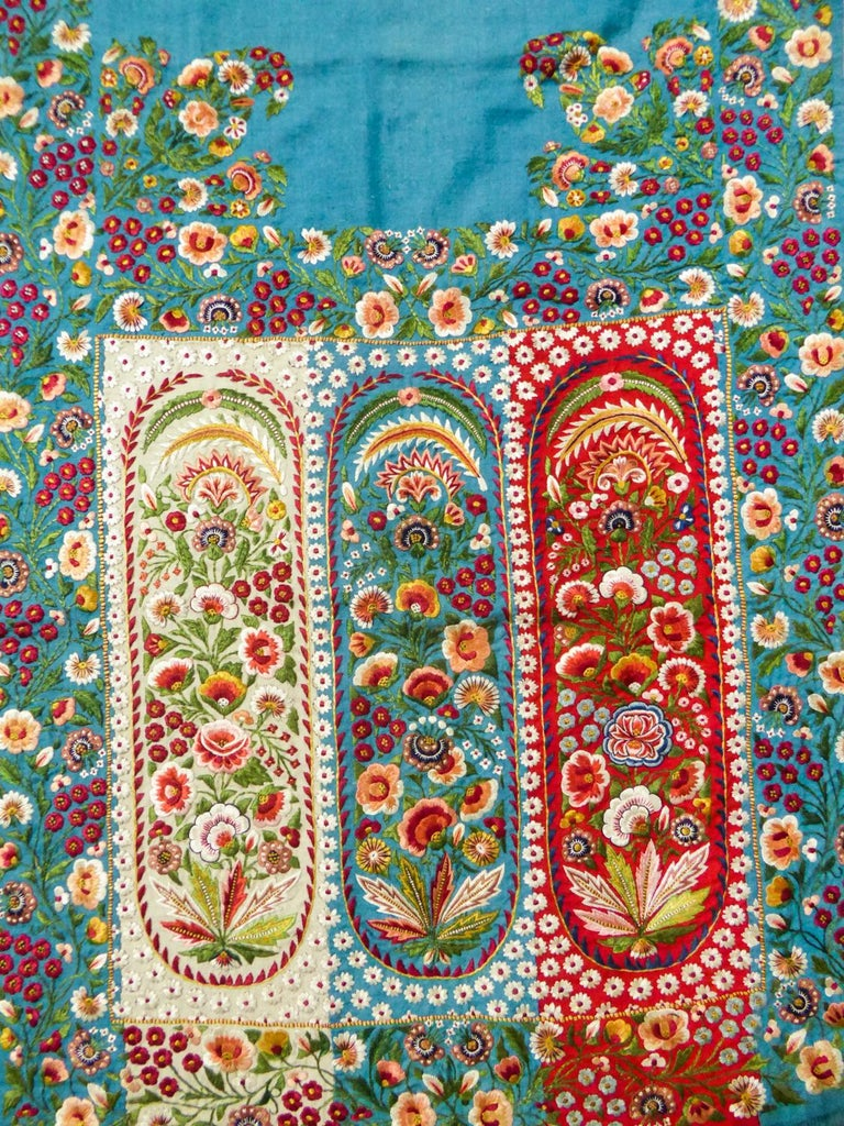 Scarf in Embroidered Pashmina - India for Europe Circa 1830/1860 For Sale 2