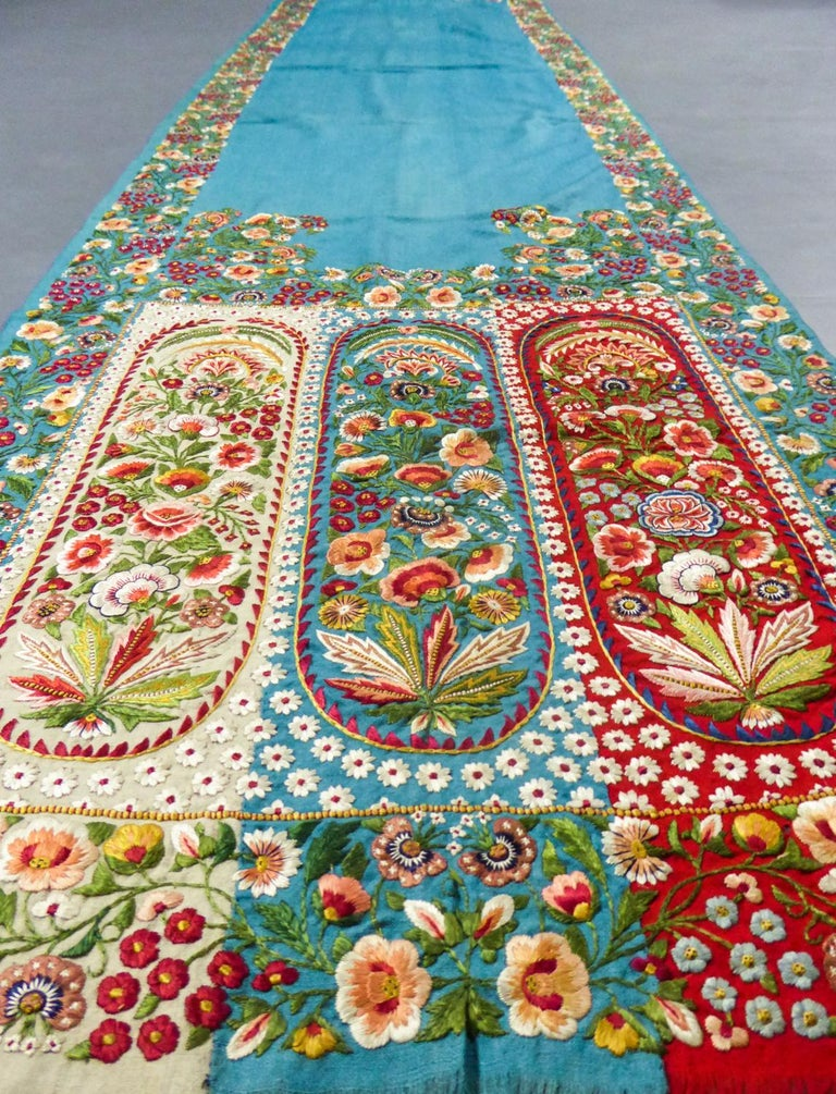 Scarf in Embroidered Pashmina - India for Europe Circa 1830/1860 For Sale 3