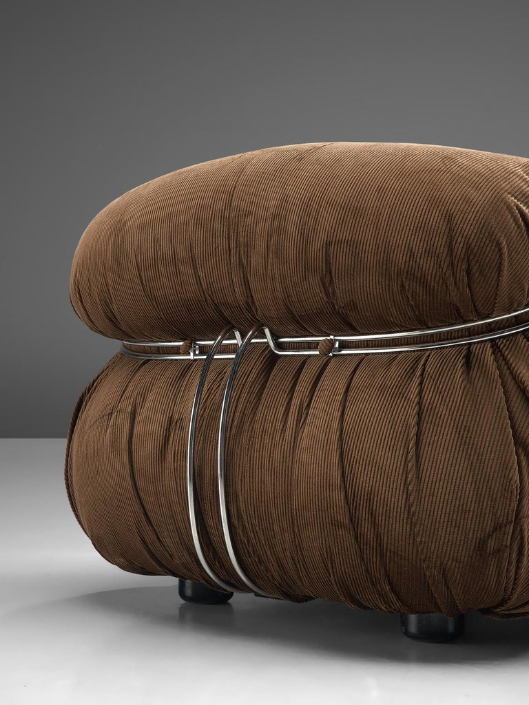 Mid-20th Century Scarpa Set of 'Soriana' Lounge Chairs with Ottoman in Brown Fabric For Sale