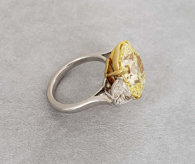 Scarselli 10 Carat Fancy Intense Yellow Internally Flawless Radiant Diamond Ring In New Condition For Sale In New York, NY