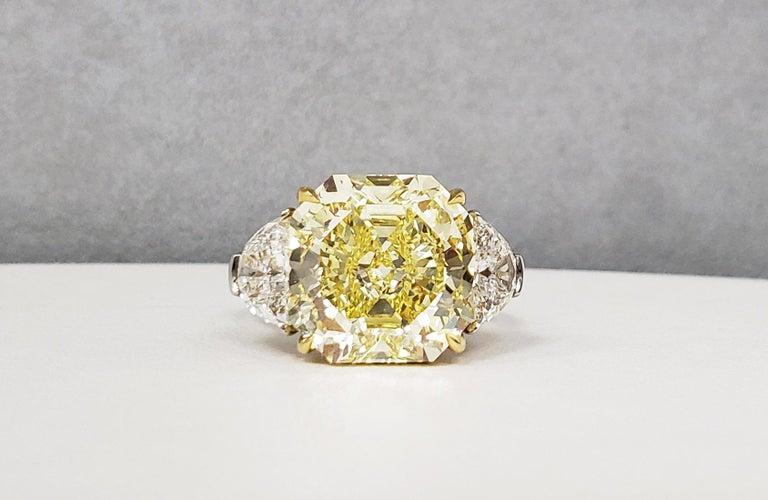 Scarselli 10 Carat Fancy Intense Yellow Internally Flawless Radiant Diamond Ring For Sale 2
