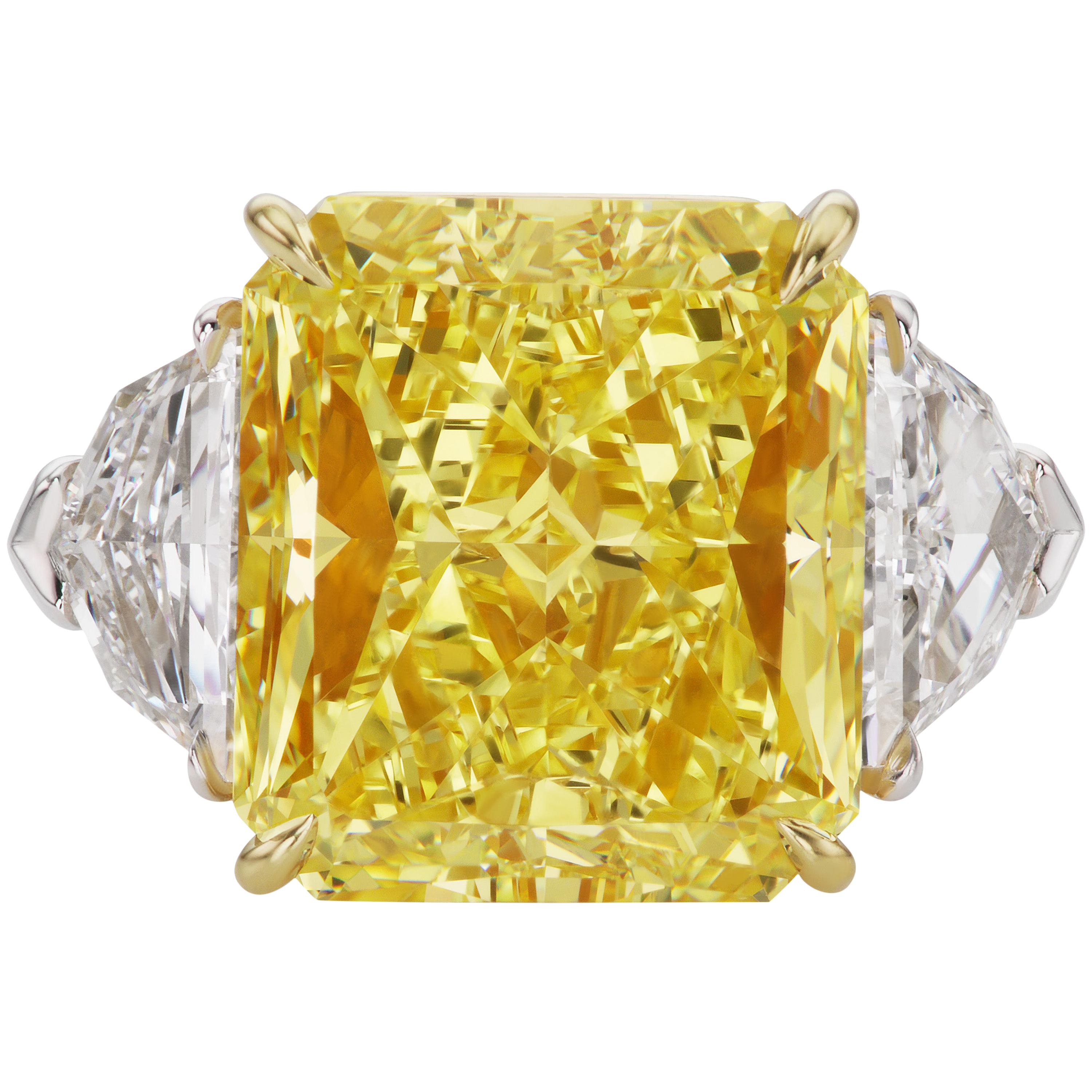 Scarselli 10 Carat Fancy Vivid Yellow GIA Diamond in a Platinum Engagement Ring