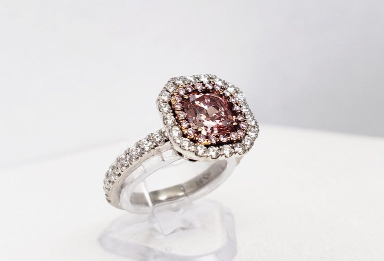 Contemporary Scarselli 1.02 Carat Pink Diamonds in a Platinum Ring  For Sale