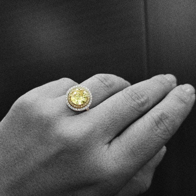 Brilliant Cut Scarselli 18 Karat Gold Ring 2 Carat Fancy Yellow Diamond GIA For Sale