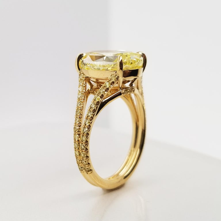 Contemporary Scarselli 18 Karat Gold Ring 6 Carat Fancy Intense Yellow Oval Cut Diamond For Sale