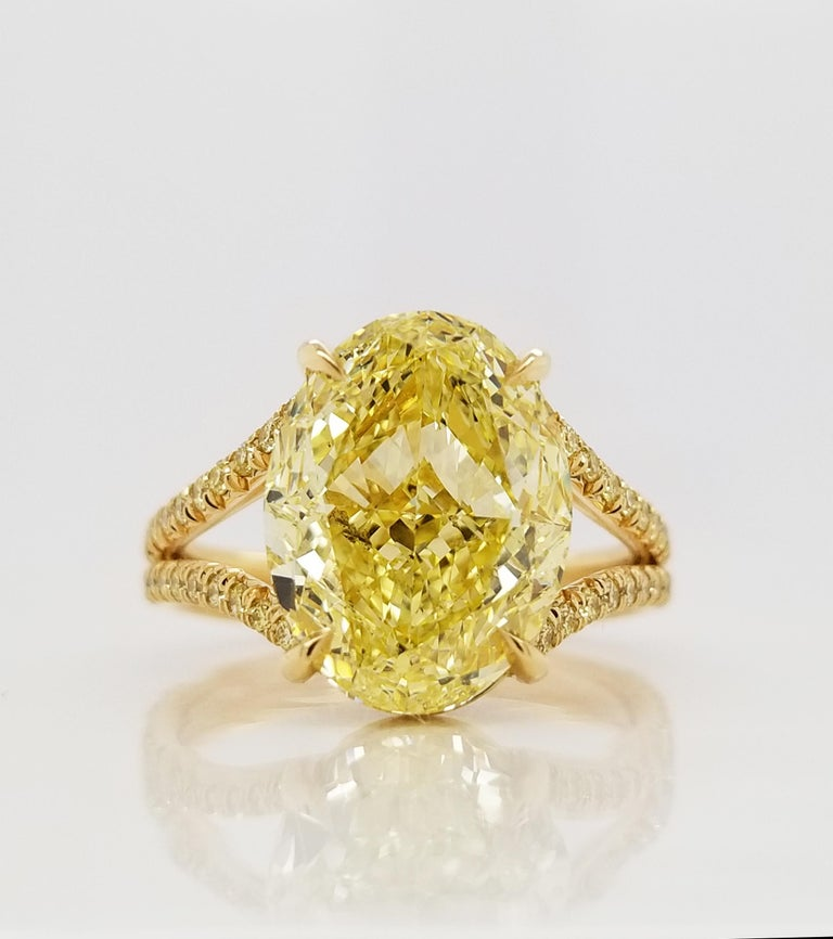 Scarselli 18 Karat Gold Ring 6 Carat Fancy Intense Yellow Oval Cut Diamond In New Condition For Sale In New York, NY
