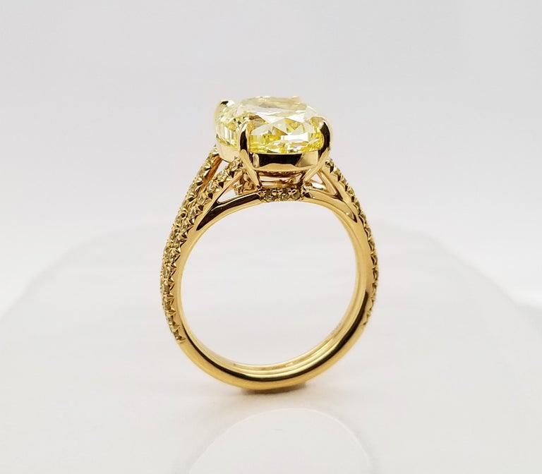 Women's Scarselli 18 Karat Gold Ring 6 Carat Fancy Intense Yellow Oval Cut Diamond For Sale