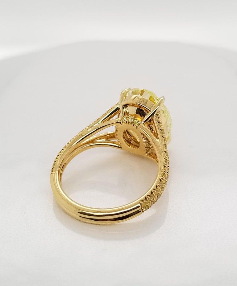 Scarselli 18 Karat Gold Ring 6 Carat Fancy Intense Yellow Oval Cut Diamond For Sale 1