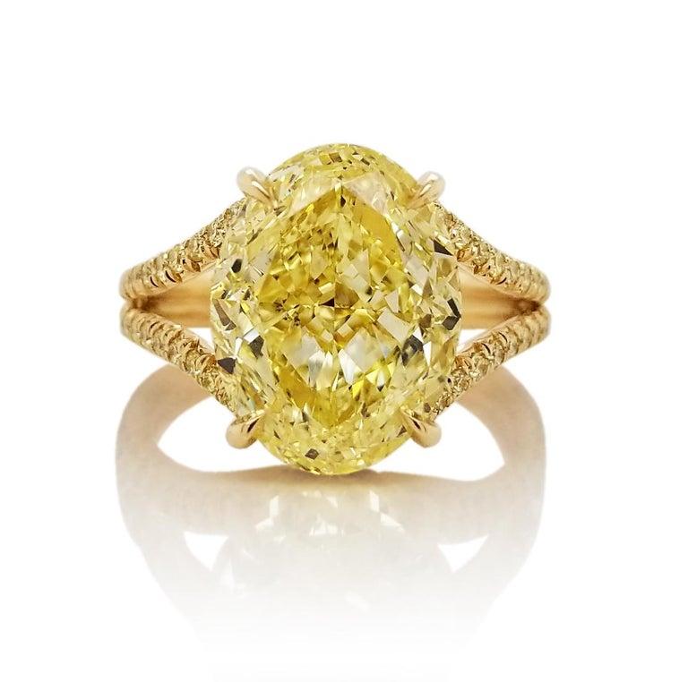 Scarselli 18 Karat Gold Ring 6 Carat Fancy Intense Yellow Oval Cut Diamond For Sale 4