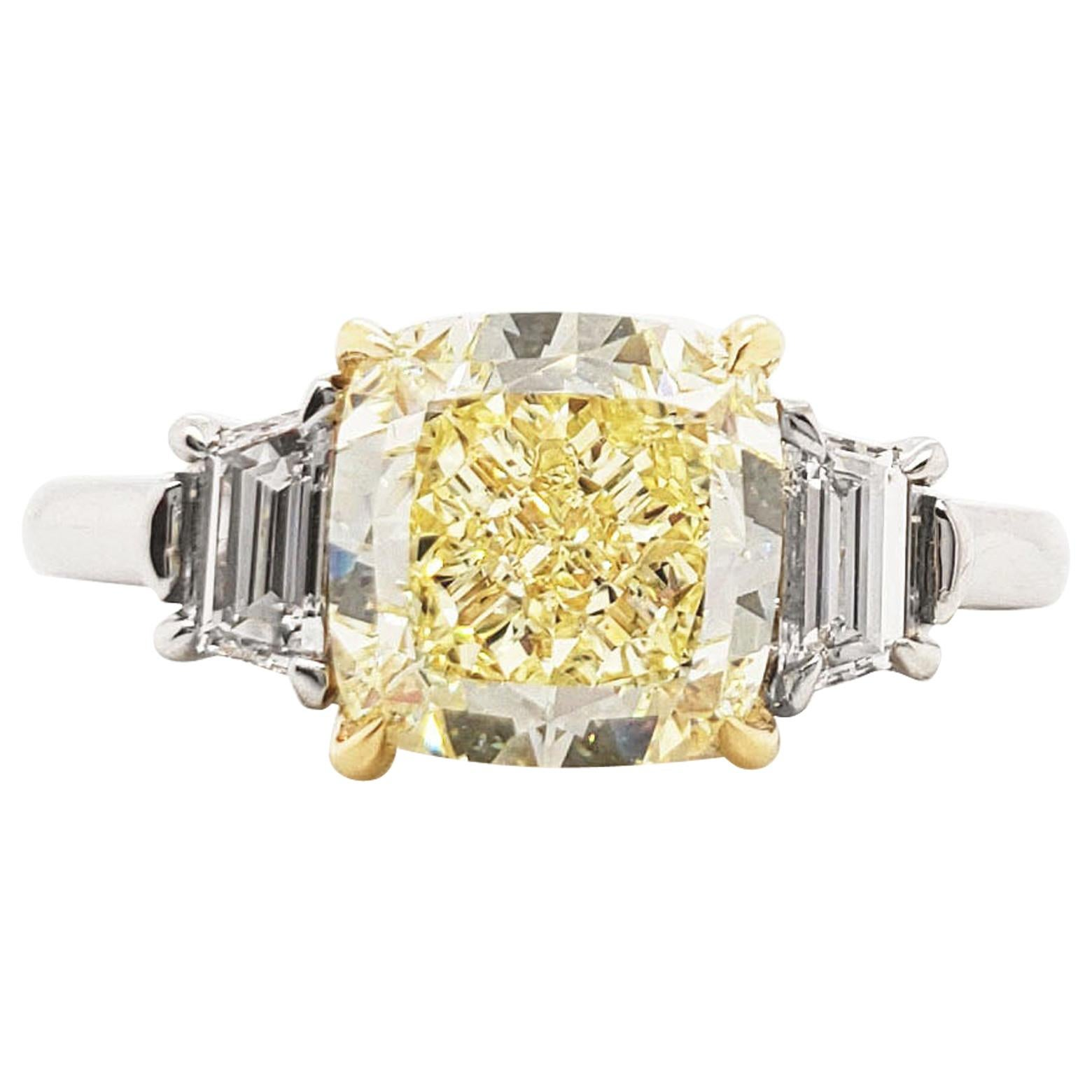 Scarselli 3 Carat Fancy Light Yellow VVS2 Diamond Engagement Ring, Platinum GIA