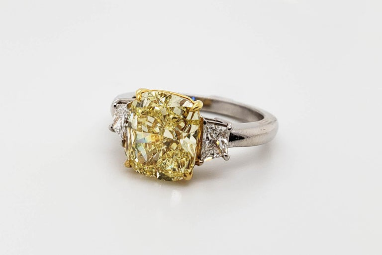 Scarselli 3.80 carat Fancy Intense Yellow Cushion Cut Diamond Engagement Ring  In New Condition For Sale In New York, NY