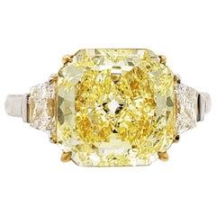 Scarselli 3.85 Carat Yellow Radiant Cut Diamond Engagement Ring in Platinum
