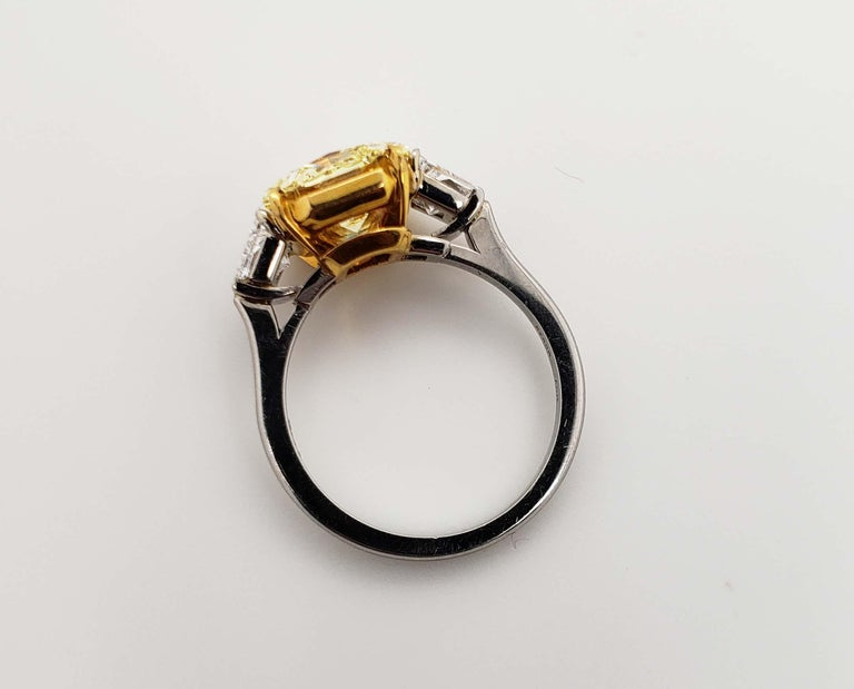 Contemporary Scarselli 4 Carat Fancy Intense Yellow Radiant Diamond Ring 'VVS2' Platinum GIA For Sale