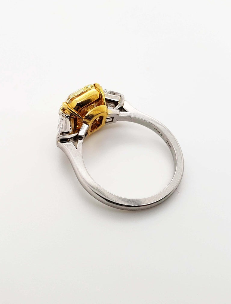 Contemporary Scarselli Platinum Ring 4 Carat Yellow Radiant Diamond VVS2 GIA Certified For Sale