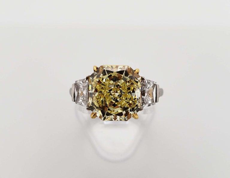 Radiant Cut Scarselli 4 Carat Fancy Intense Yellow Radiant Diamond Ring 'VVS2' Platinum GIA For Sale