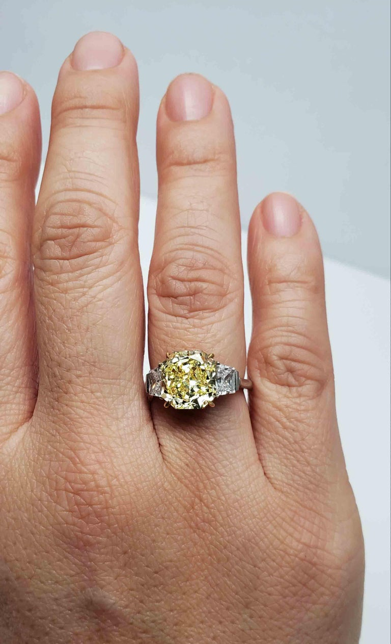 Radiant Cut Scarselli Platinum Ring 4 Carat Yellow Radiant Diamond VVS2 GIA Certified For Sale