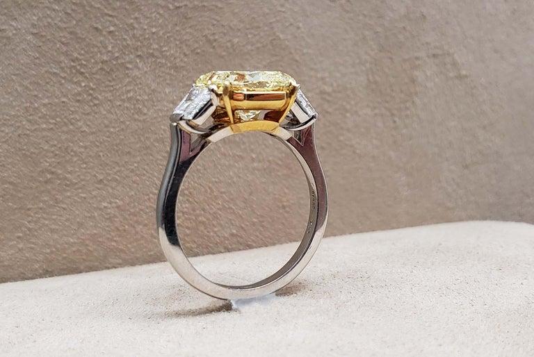 Women's Scarselli 4 Carat Fancy Intense Yellow Radiant Diamond Ring 'VVS2' Platinum GIA For Sale
