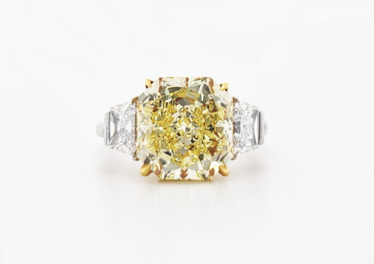 Scarselli Platinum Ring 4 Carat Yellow Radiant Diamond VVS2 GIA Certified For Sale 1