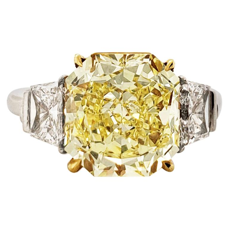 Scarselli Platinum Ring 4 Carat Yellow Radiant Diamond VVS2 GIA Certified For Sale