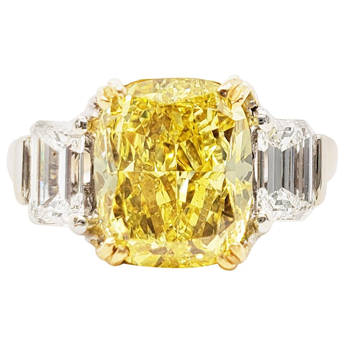 Scarselli 4 Carats Fancy Vivid Yellow Cushion Diamond Ring in Platinum 'GIA'