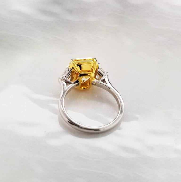 Contemporary Scarselli 5 Carat Fancy Intense Yellow Diamond Ring in Platinum For Sale