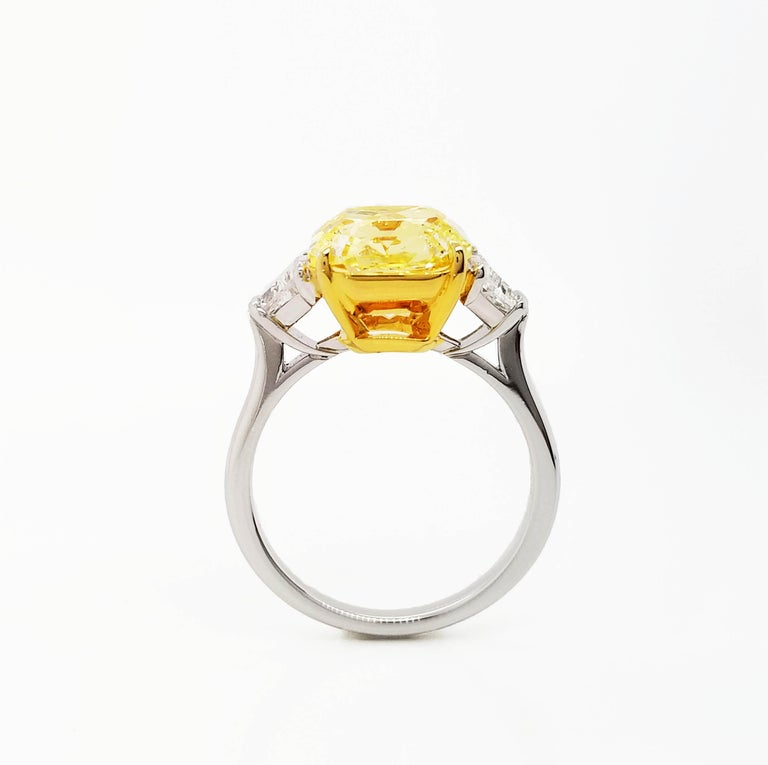 Scarselli 5 Carat Fancy Intense Yellow Diamond Ring in Platinum In New Condition For Sale In New York, NY
