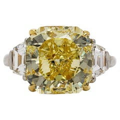 Scarselli Ring 5 Carat Fancy Vivid Yellow Radiant Cut Diamond in Platinum