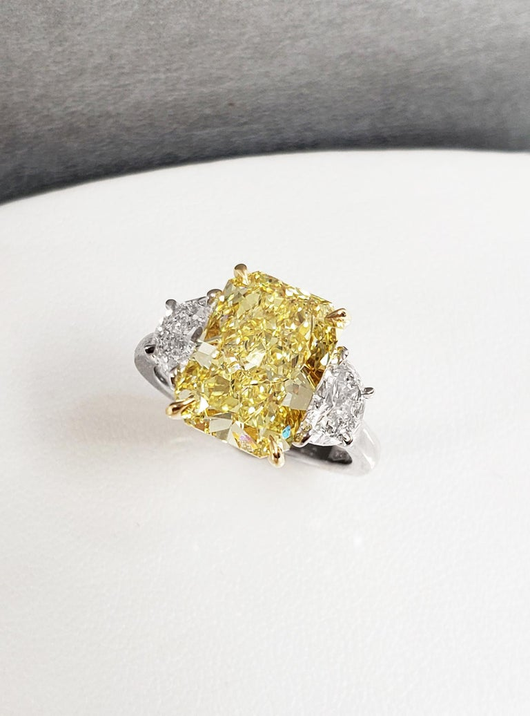 Contemporary Scarselli 5 Carat Fancy Intense Yellow Diamond Ring in Platinum GIA Certified For Sale