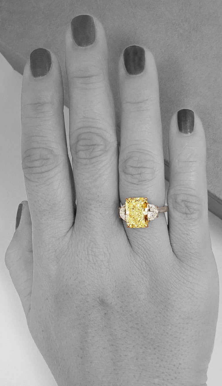 Women's Scarselli 5 Carat Fancy Intense Yellow Diamond Ring in Platinum GIA Certified For Sale