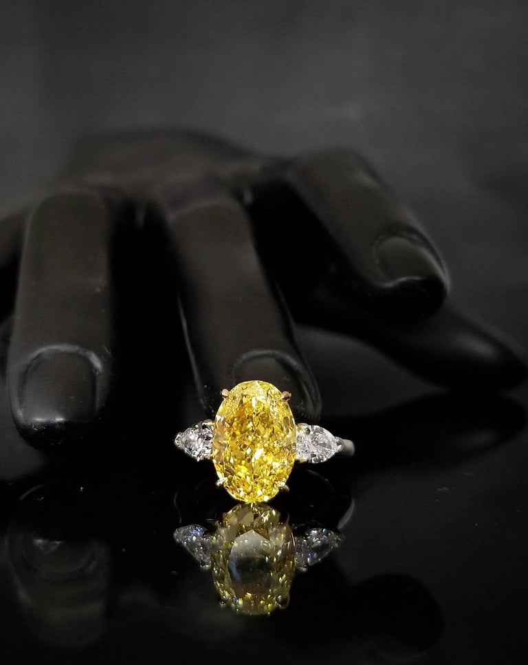 Oval Cut Scarselli 5 Plus Fancy Vivid Yellow Diamond Engagement Platinum Ring For Sale