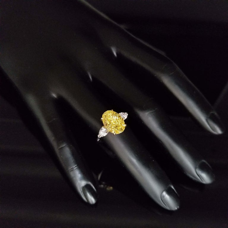 Scarselli 5 Plus Fancy Vivid Yellow Diamond Engagement Platinum Ring In New Condition For Sale In New York, NY