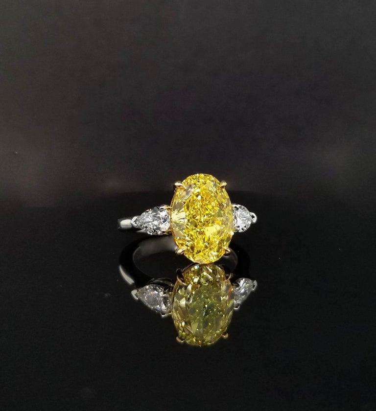 Women's Scarselli 5 Plus Fancy Vivid Yellow Diamond Engagement Platinum Ring For Sale