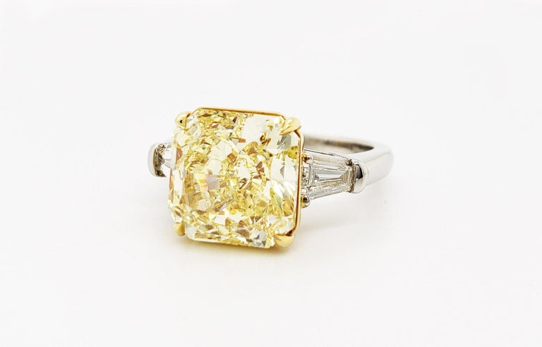 Contemporary Scarselli 6 Carat Fancy Intense Yellow Radiant Diamond Ring in Platinum VS1 GIA For Sale