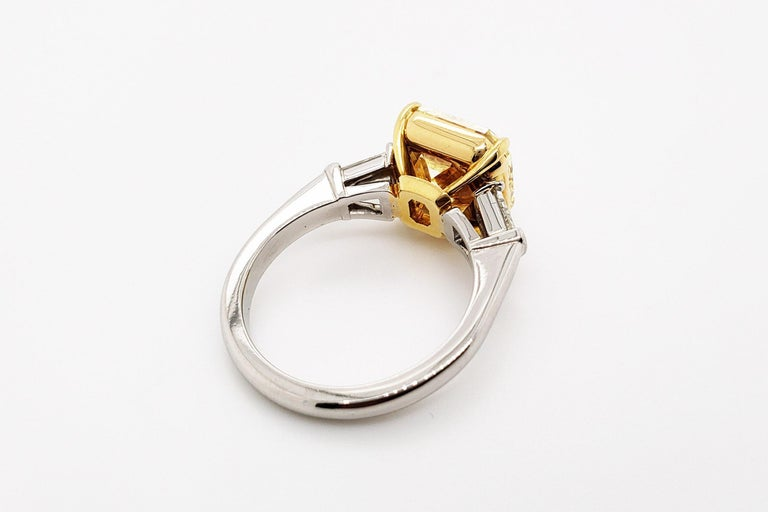 Scarselli 6 Carat Fancy Intense Yellow Radiant Diamond Ring in Platinum VS1 GIA For Sale 1