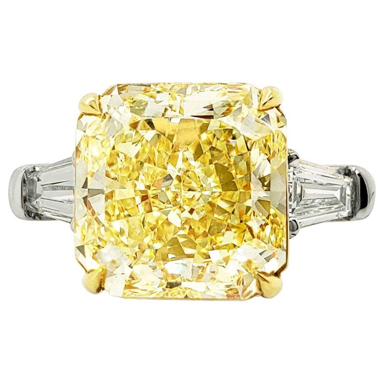 Scarselli 6 Carat Fancy Intense Yellow Radiant Diamond Ring in Platinum VS1 GIA For Sale