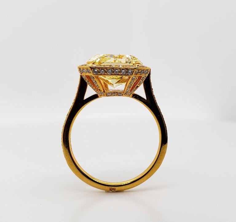 Women's Scarselli 6.70 Carat Fancy Vivid Yellow Radiant Cut Diamond Ring VS2 GIA For Sale