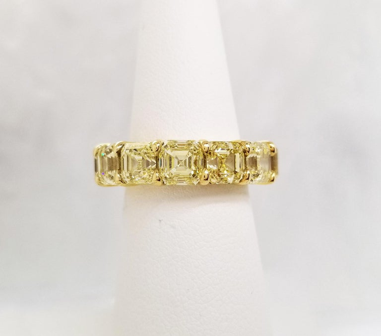 Scarselli Eternity Band 1.00 Carat Fancy Yellow Asscher Diamonds GIA Certified For Sale 4