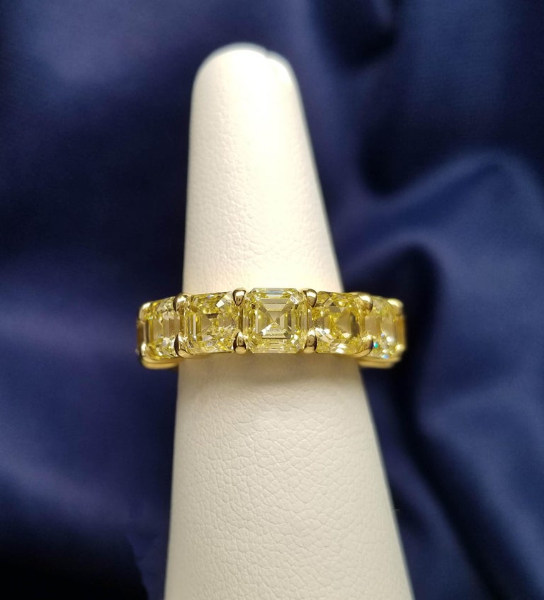 Contemporary Scarselli Eternity Band 1.00 Carat Fancy Yellow Asscher Diamonds GIA Certified For Sale