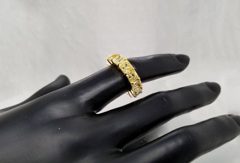 Scarselli Eternity Band 1.00 Carat Fancy Yellow Asscher Diamonds GIA Certified In New Condition For Sale In New York, NY