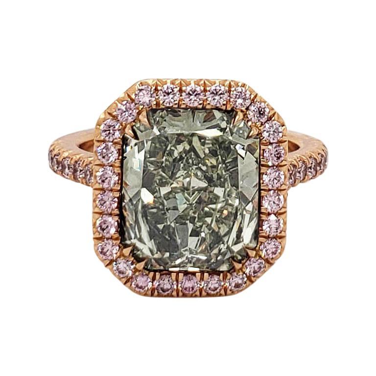 Scarselli Fancy Yellow-Green 5 Carat Radiant Diamond Ring in 18 Karat Gold