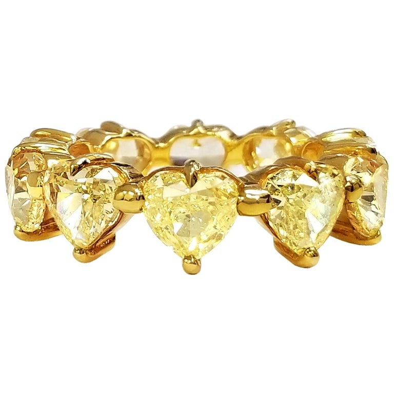 Scarselli Heart Band Ring in 18 Karat Gold with Natural Yellow Diamonds For Sale