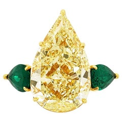 Scarselli Ring 14 Carat Pear Shape Yellow Diamond with Emeralds