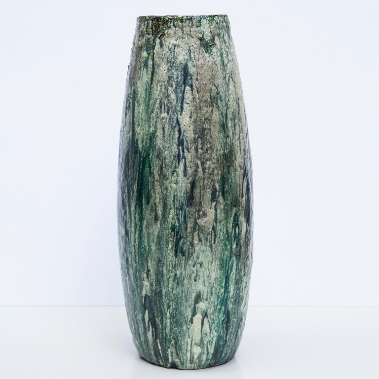 Monumental green and white glazed ceramic stoneware floor vase from the Artist Helmut Friedrich Schäffenacker, Germany, 1960s. Stunning piece with artist mark.