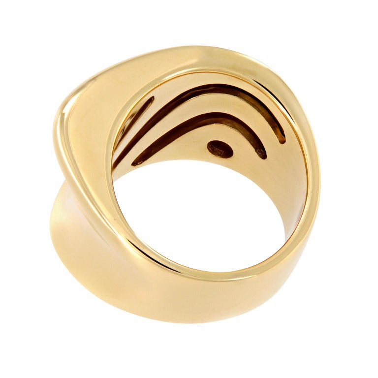 Scheffel Wide Band Yellow Gold Fashion Ring In New Condition For Sale In Troy, MI
