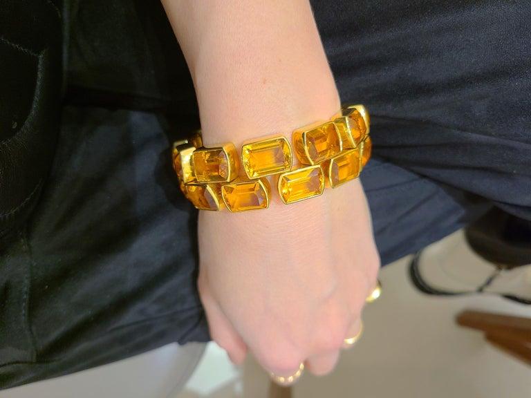 Women's or Men's Schreiner 18 Karat Yellow Gold Two-Row Emerald Cut 137.00 Carat Citrine Bracelet For Sale