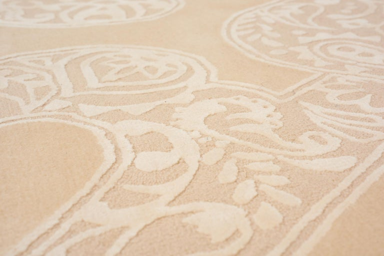 Modern Schumacher Chantilly Lace Area Rug in Wool and Spun Silk, Patterson Flynn Martin For Sale
