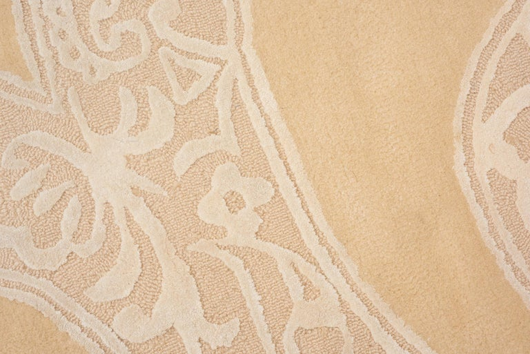 Chinese Schumacher Chantilly Lace Area Rug in Wool and Spun Silk, Patterson Flynn Martin For Sale