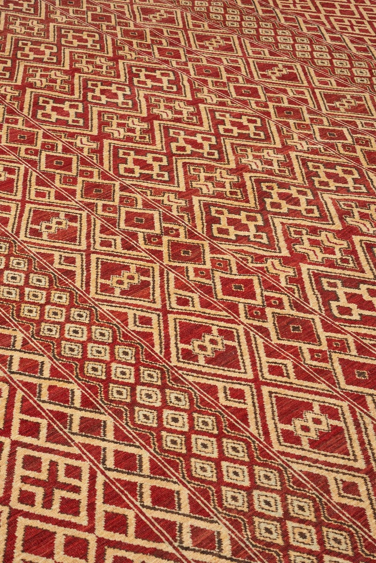 Tribal Schumacher Donia Area Rug in Hand-Knotted Wool Silk, Patterson Flynn Martin For Sale